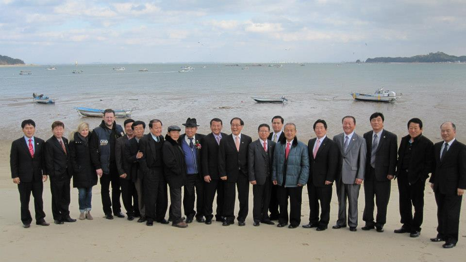 Korea-Grossmeistergruppenfoto-am-Strand
